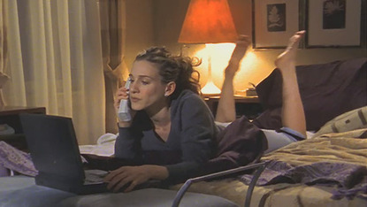 carrie-bradshaw-writing-2